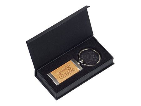 Passende schwarze Stülpdeckelbox für Ihren Schlüsselanhänger