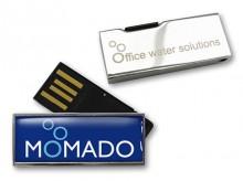 Origineller USB-Stick mit ausklappbarem Anschluss