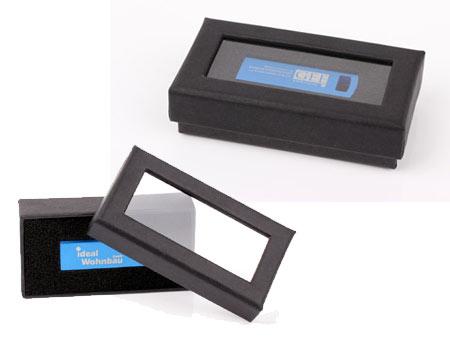 Stülpdeckelbox mit Sichtfenster für USB-Sticks