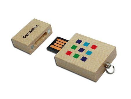 Farbiger Druck auf dem quadratischen USB-Holz-Gehäuse