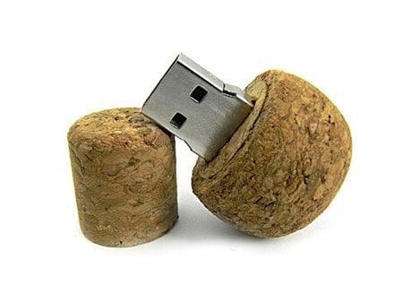 USB-Stick mit Echtkorkgehäuse in Pilzform