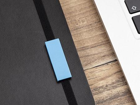 Material: farbiger Kunststoff oder matte Metall-ABS-Variante