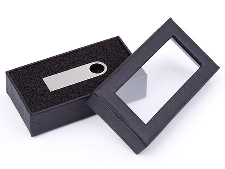 Stülpdeckelbox mit Sichtfenster und Schaumstoffeinlage für Ihren USB-Kompakt-Standard