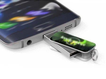 "USB-Modell ""Connect-Double"" mit Standard-USB-A-Anschluss und wahlweise mit USB-C oder USB-Micro-Anschluss"