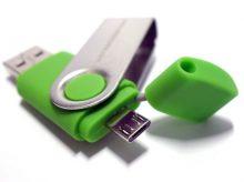 Mit zwei Anschlüssen: USB-Micro oder Typ C