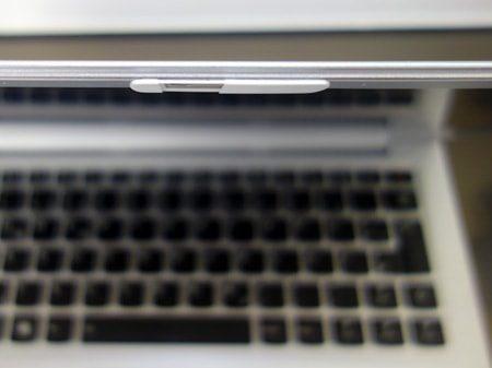 Kann bequem und einfach an die Webcam angebracht werden