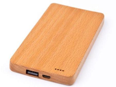 Schöne Holzpowerbank in verschiedenen Holzfarben erhältlich