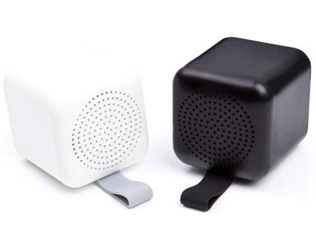 Zwei kleine Mini-Lautsprecher für die nächste Werbeaktion