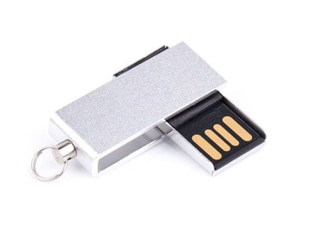 Kleiner und kompakter USB-Stick mit drehbarem Anschluss
